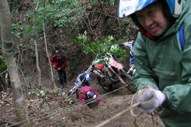 うわー、滑車地点。タイチは滑車も不要で、普通のトレイルのように登ってしまいました。 小林 雅裕 KUMAMOTO Racing