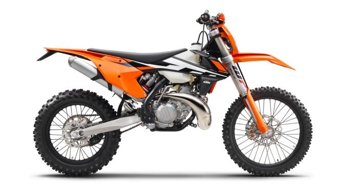 KTM-2017-250-EXC_90_right_1200
